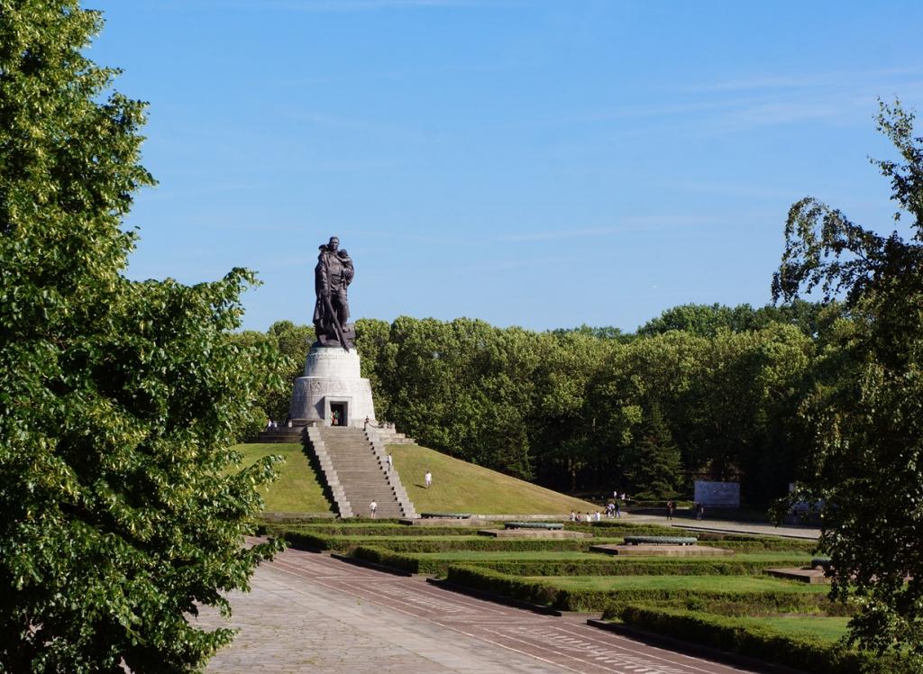 Berlin Soviet Memorial 2017