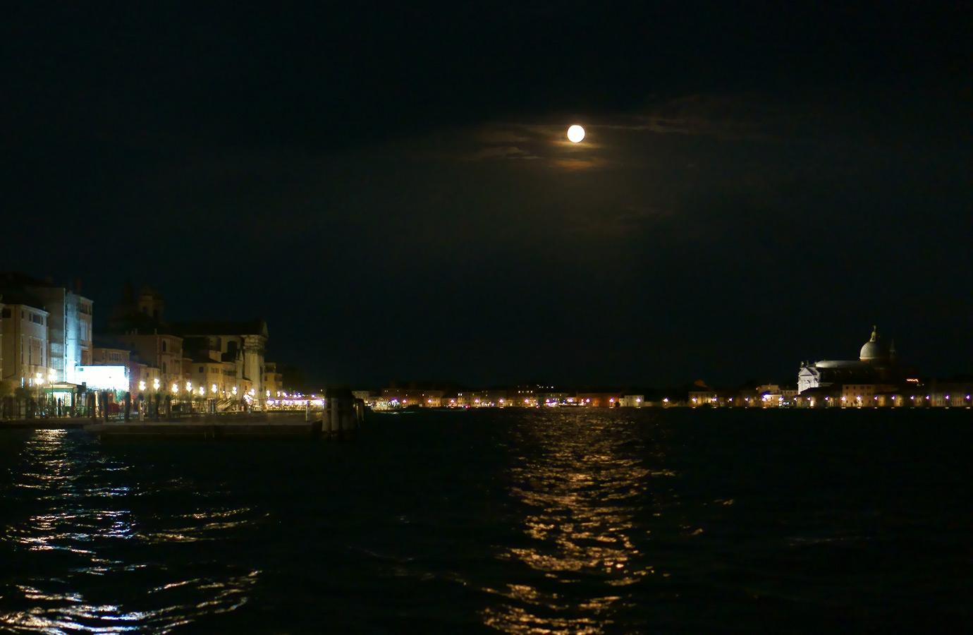 Venice at night 2016