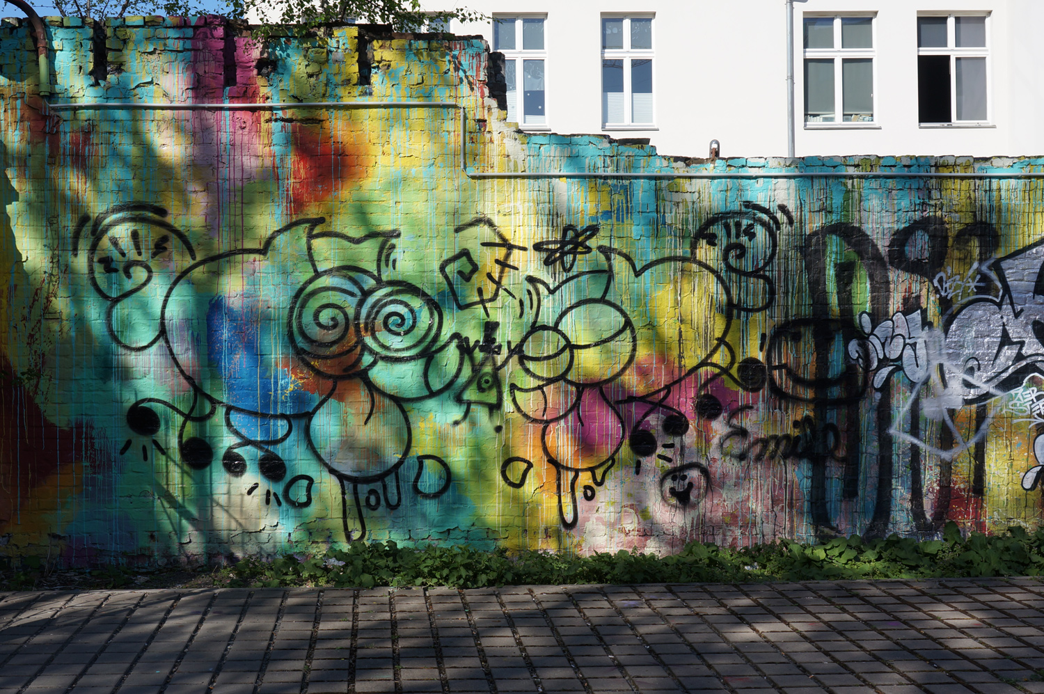 Wall with light and shadow, Berlin 2018